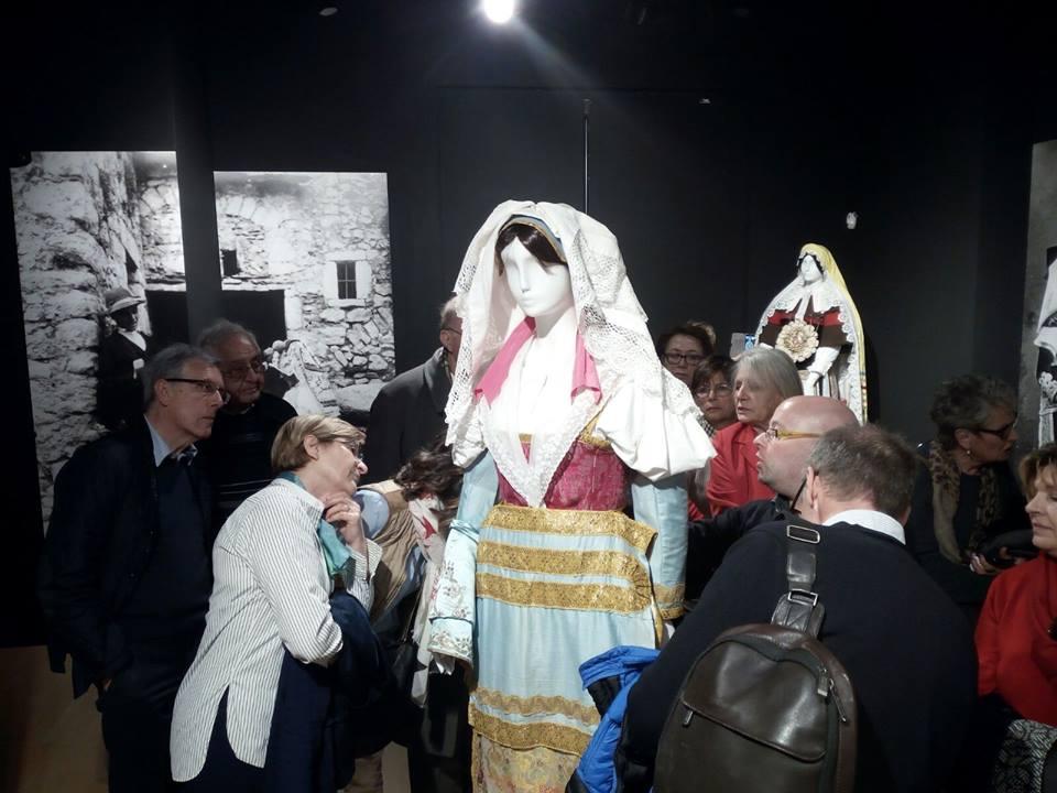 gruppo in visita - costume di Venafro